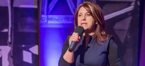 Így lett Marcsi humorista 40 évesen - Nőiváltó | Stand Up Comedy Humortársulat